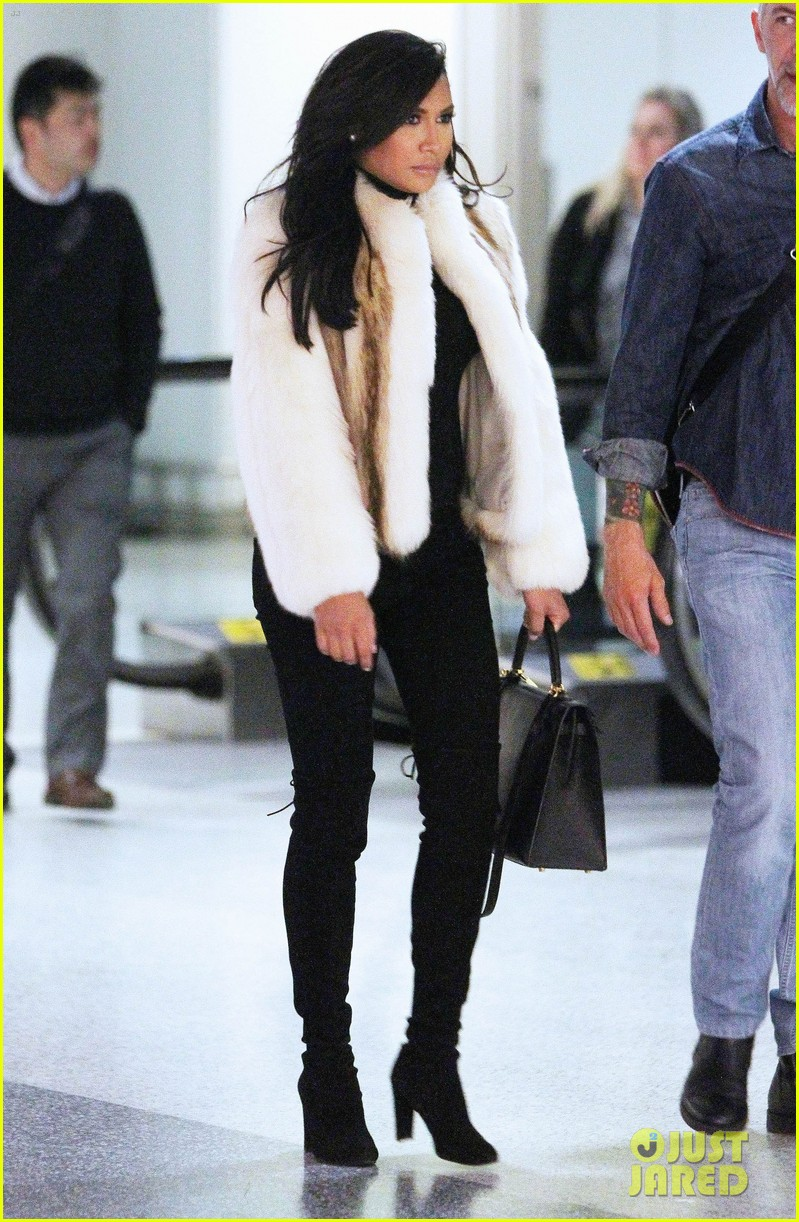Exclusive... Pregnant Naya Rivera Arriving In New Jersey